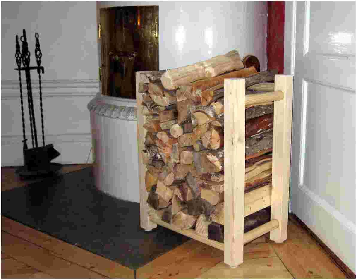 Vedkorg i trä